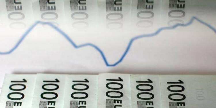 Paris pourra baisser un peu moins vite ses déficits, dit Sapin