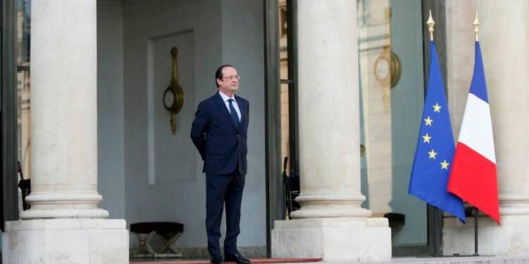 """Face au soufflet électoral, Hollande veut améliorer la """"cohérence"""" du gouvernement"""