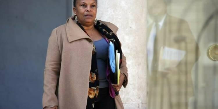 """Christiane Taubira ne veut pas faire le """"cadeau"""" d'une démission"""
