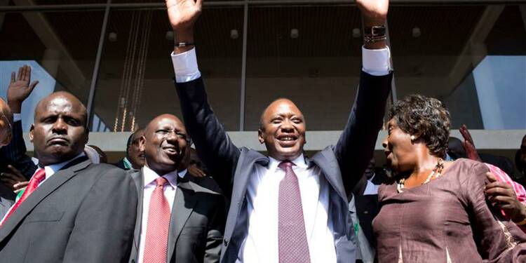 Uhuru Kenyatta proclamé officiellement vainqueur au Kenya