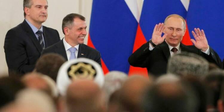 Vladimir Poutine signe le traité intégrant la Crimée à la Russie