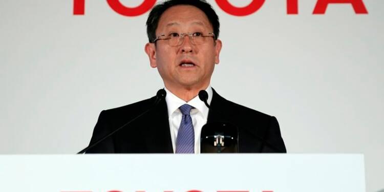Toyota prévoit des résultats en baisse en 2014-2015