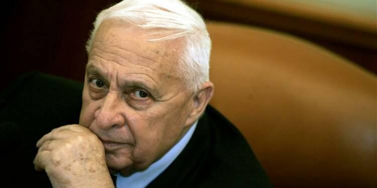 La radio militaire israélienne annonce la mort d'Ariel Sharon