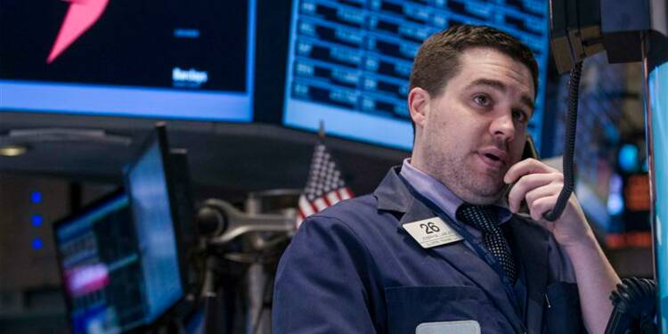 Wall Street finit sans tendance, IBM a pesé sur le Dow Jones