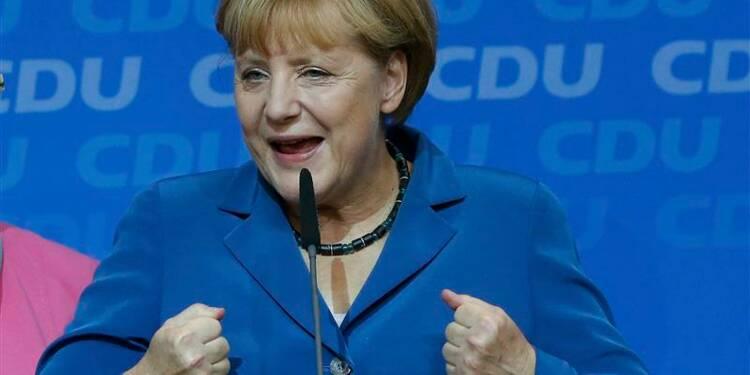 """Merkel salue le """"super résultat"""" des élections allemandes"""