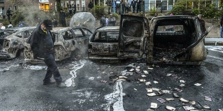 Viols et tueries de masse : l'accélération du suicide suédois