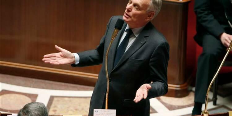 Ayrault défie la droite de voter la loi sur la transparence