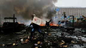 Les manifestants reprennent la place de l'Indépendance à Kiev
