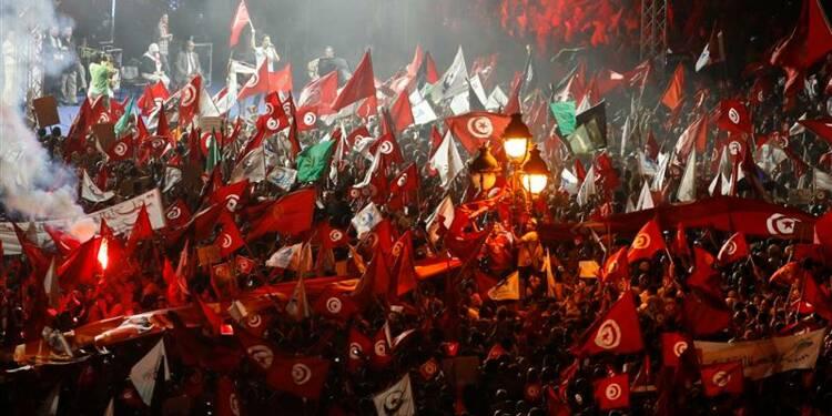 Ennahda mobilise des milliers de partisans à Tunis