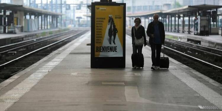 La grève à la SNCF reconduite lundi, premier jour du bac