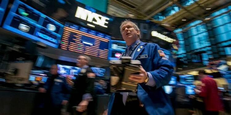 Wall Street ouvre sur une note mitigée, Apple pèse