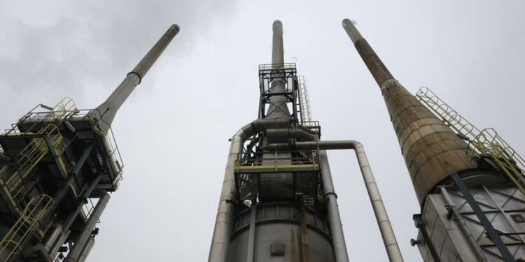 L'Etat face à la pollution de la raffinerie Petroplus