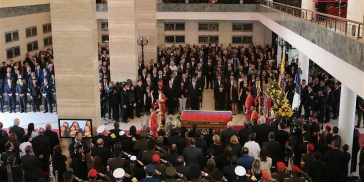 Une marée humaine assiste aux obsèques d'Hugo Chavez