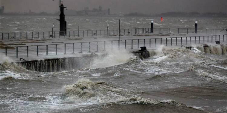 """La tempête """"Xaver"""" fait six morts en Europe du Nord"""