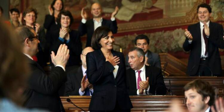 Anne Hidalgo officiellement élue maire de Paris