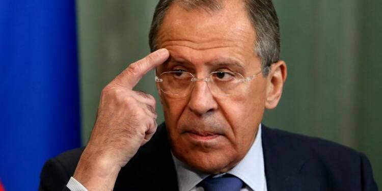 Kiev enfreint grossièrement l'accord de Genève, selon Lavrov