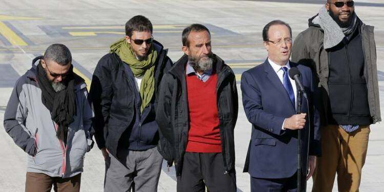 Marine Le Pen gênée par la barbe et la réserve des ex-otages