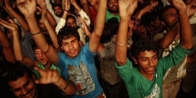 Les Pakistanais aux urnes pour un scrutin à hauts risques