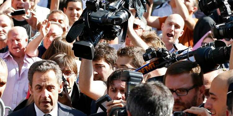 Sarkozy accueilli comme un sauveur par les militants UMP