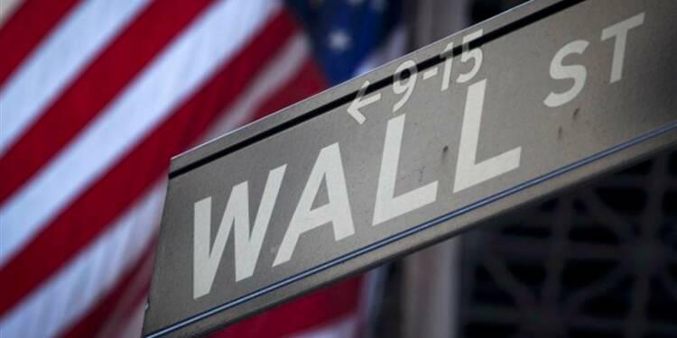 Wall Street ouvre en hausse, BlackBerry chute
