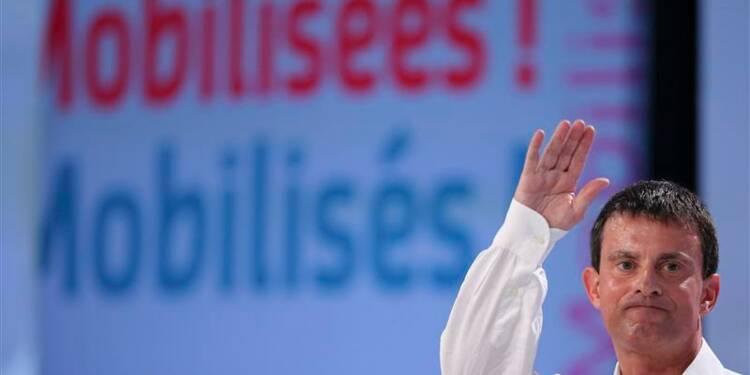 Manuel Valls parle du FN, et de lui-même, devant les socialistes