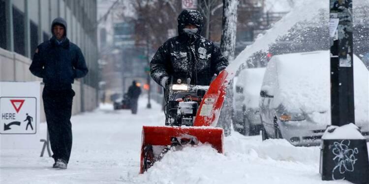 L'est des Etats-Unis sous la neige, trafic aérien perturbé
