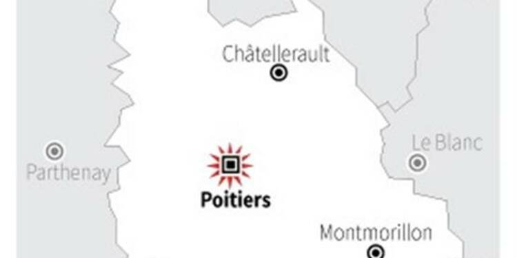 Une banderole islamophobe sur la mosquée de Poitiers
