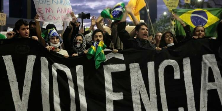 Le Brésil face aux plus importantes manifestations depuis 20 ans