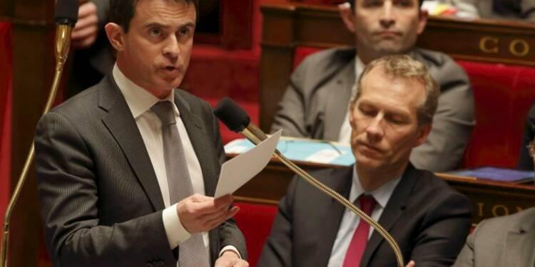"""L'UMP réclame des excuses à Manuel Valls, accusé d'""""insultes"""""""