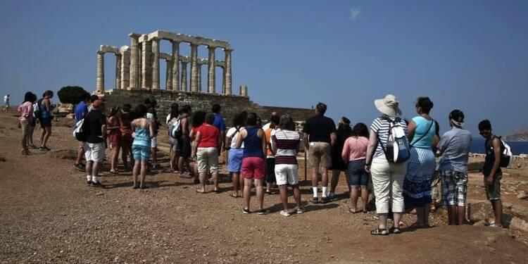 Bond du tourisme en juin en Grèce, espoir pour toute la saison