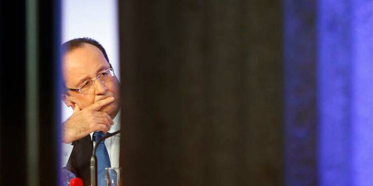 François Hollande contraint de vite réaffirmer son autorité