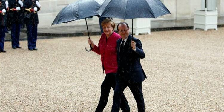 L'exercice d'unité franco-allemand brouillé par Hollande