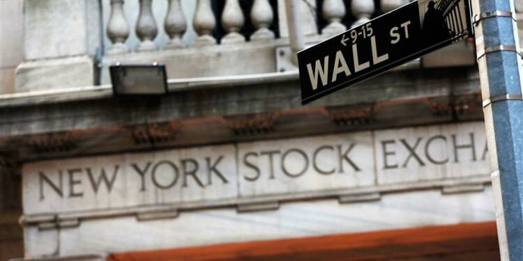 Wall Street ouvre en hausse, le Dow Jones bat son record