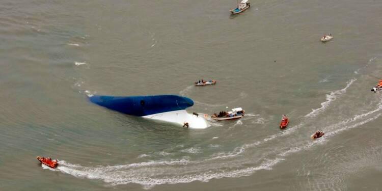 Une centaine de disparus après le naufrage d'un ferry en Corée