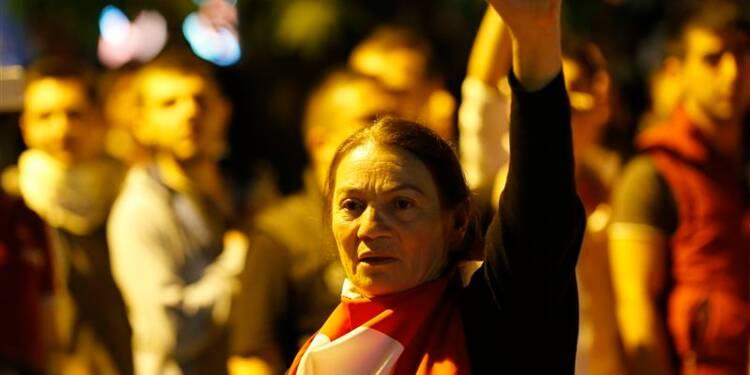 Deux morts dans la contestation en Turquie, les syndicats en renfort