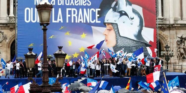 """Le FN appelle à dire """"non"""" à l'Union européenne le 25 mai"""