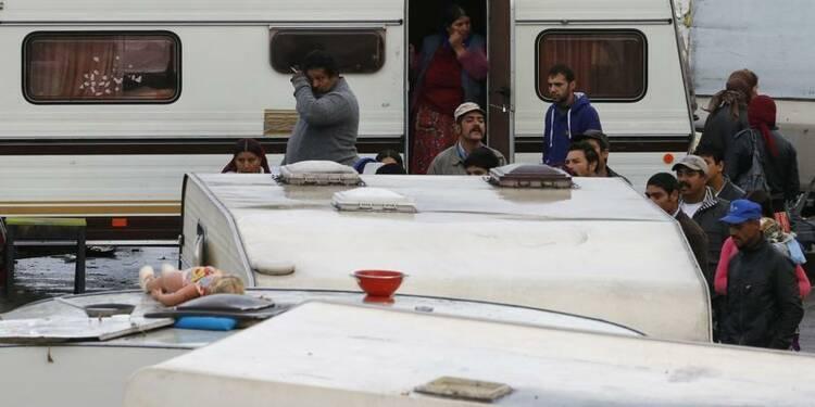 Manuel Valls critiqué après ses propos sur les Roms