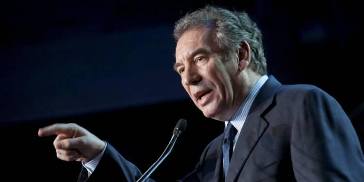 François Bayrou s'alarme du tournant du PS sur l'économie