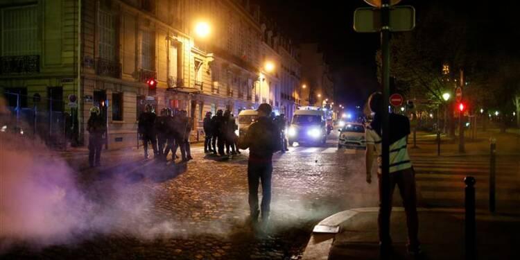 Manuel Valls appelle à rejeter les groupes identitaires