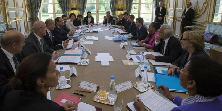 Quatorze secrétaires d'Etat complètent l'équipe Valls