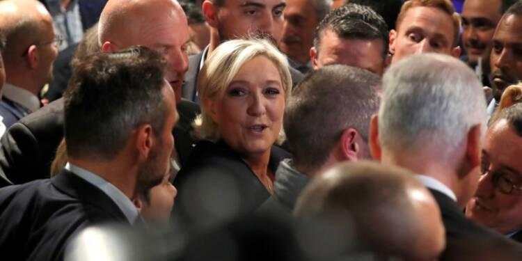 Le Pen appelée à trancher sur l'euro