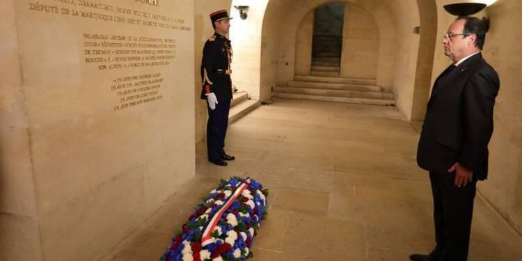François Hollande rend hommage à Aimé Césaire au Panthéon