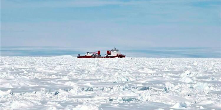 Les naufragés des glaces entament le long trajet de leur retour