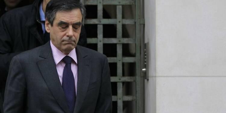 """Vouloir """"punir"""" le régime syrien n'a pas de sens, dit Fillon"""