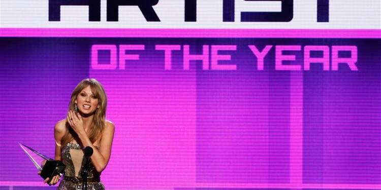 Taylor Swift, artiste de l'année aux American Music Awards