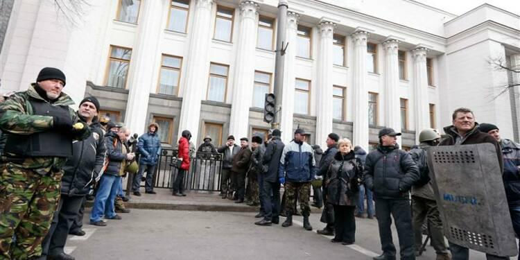 Les opposants ukrainiens veulent des élections avant le 25 mai