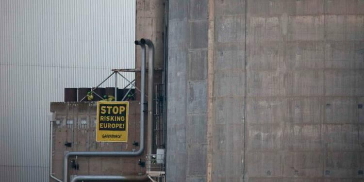 Des militants de Greenpeace dans la centrale de Fessenheim
