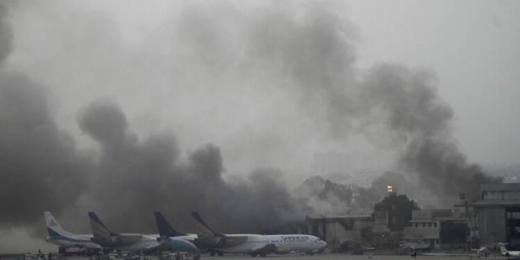 Attaque à l'aéroport de Karachi au Pakistan, 27 morts
