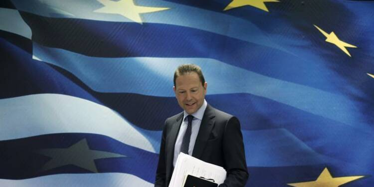 La Grèce veut demander une réduction de dette en 2014