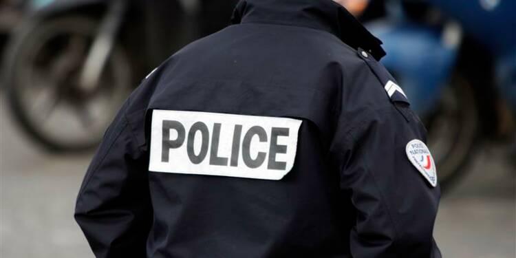 Valls veut une interpellation rapide après une agression à Paris